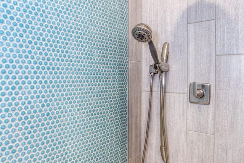 bathroom-comfort-room-design-1909656 (1)